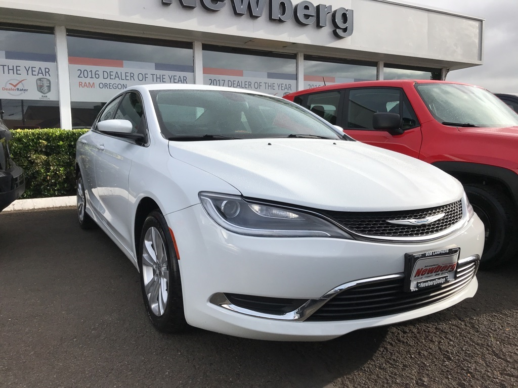 Pre-Owned 2016 Chrysler 200 Limited Convenience Group, Bluetooth