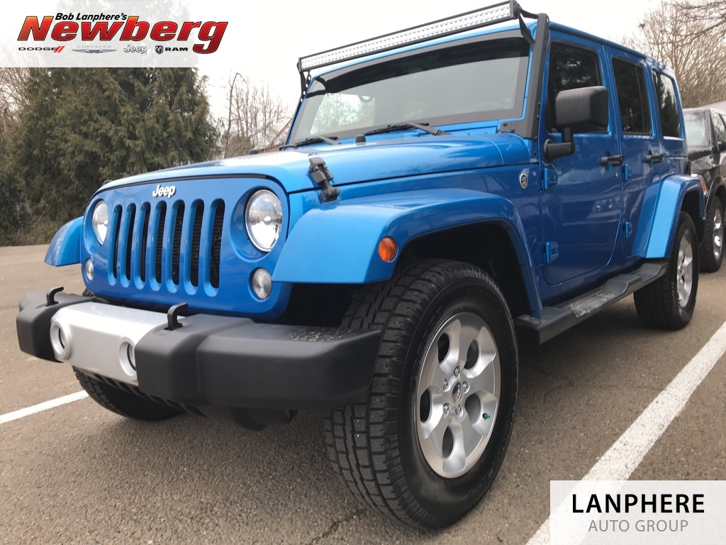 Pre-Owned 2014 Jeep Wrangler Unlimited Sahara Clean Carfax, One Owner, Navigation, Leather, Hard