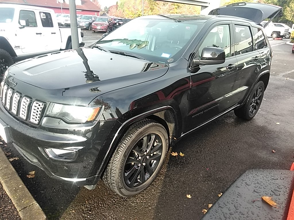 Pre-Owned 2018 Jeep Grand Cherokee Altitude 4WD, 1-Owner, Sunroof, Navigation, Certified