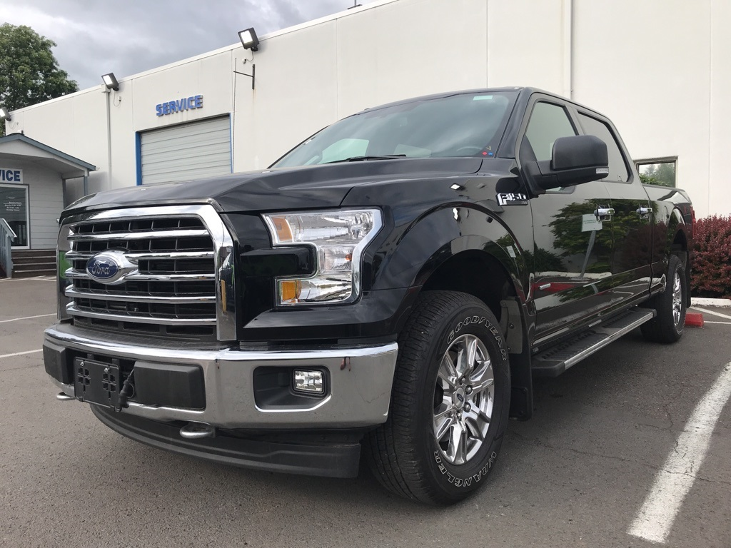 Pre-Owned 2017 Ford F-150 XLT Luxury Package, Chrome Package, Navigation System