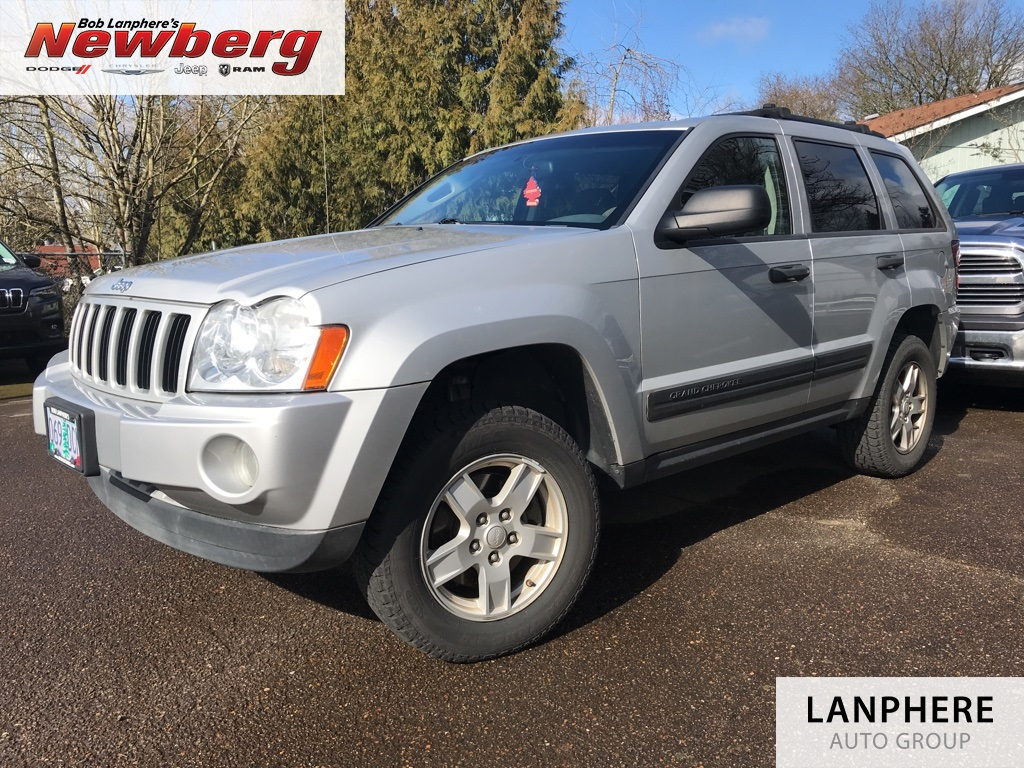 Pre-Owned 2006 Jeep Grand Cherokee Laredo Clean Carfax, 2