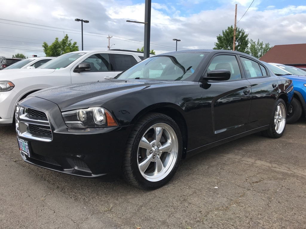 Pre-Owned 2013 Dodge Charger SE Clean Carfax, Aftermarket Exhaust & Wheels!