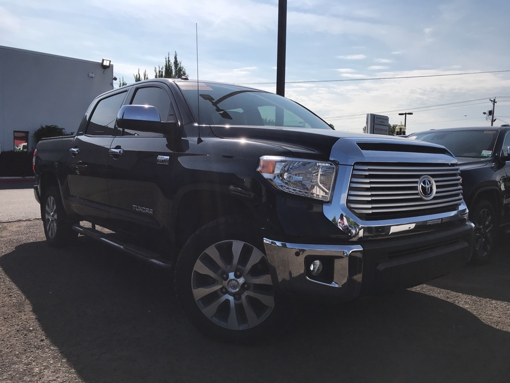 Pre-Owned 2014 Toyota Tundra Limited 1-Owner, Navigation, Sunroof