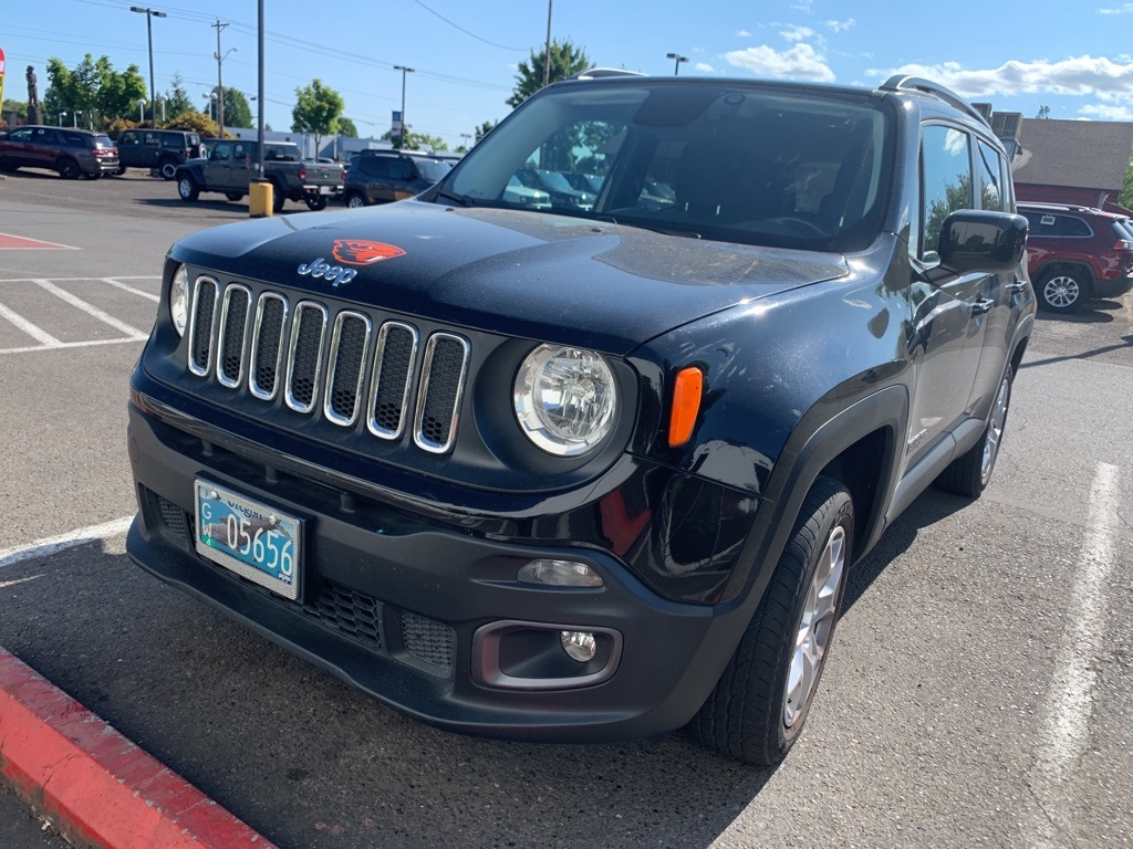 Certified Pre-Owned 2015 Jeep Renegade Latitude Clean Carfax, 4WD, Heated Seats, Certified