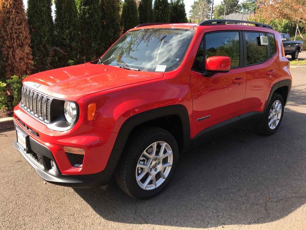 NEW 2019 JEEP RENEGADE LATITUDE 4X4