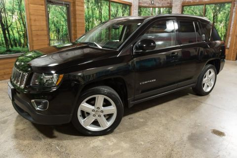 Pre-Owned 2014 Jeep Compass Latitude One Owner, Clean Carfax, Leather, Heated Seats!