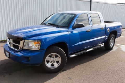 Pre-Owned 2008 Dodge Dakota SLT 4WD, Crew Cab, LOW Miles, Custom Leather!