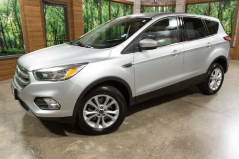Pre-Owned 2017 Ford Escape SE 4WD, Back Up Camera, Factory Warranty!
