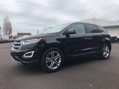 Pre-Owned 2018 Ford Edge Titanium Clean Carfax, Leather, Heated Seats, LOW Miles!