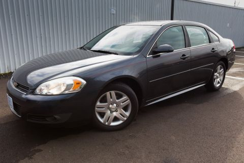 Pre-Owned 2011 Chevrolet Impala LT Clean Carfax, LOW Miles, Sunroof!