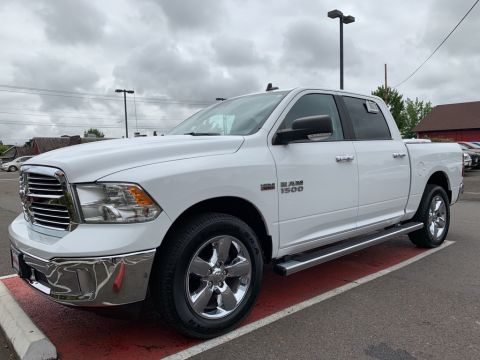 Pre-Owned 2017 Ram 1500 Big Horn Crew Cab, HEMI, 1-Owner, 4WD, Heated Seats
